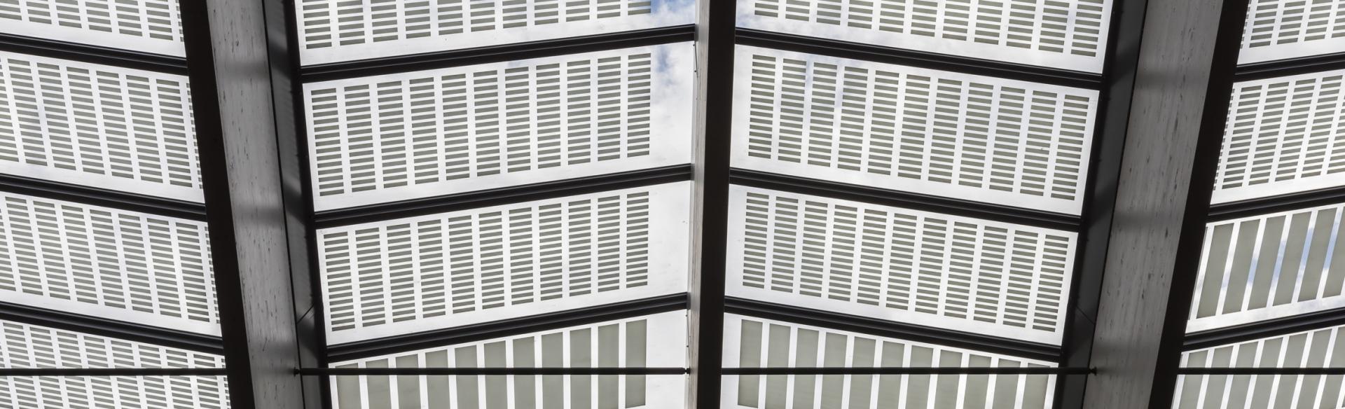 Transparante zonnepanelen voor glas en geveltoepassingen